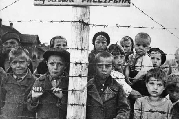 180124-holocaust-survivors-nazi-soldiers-01